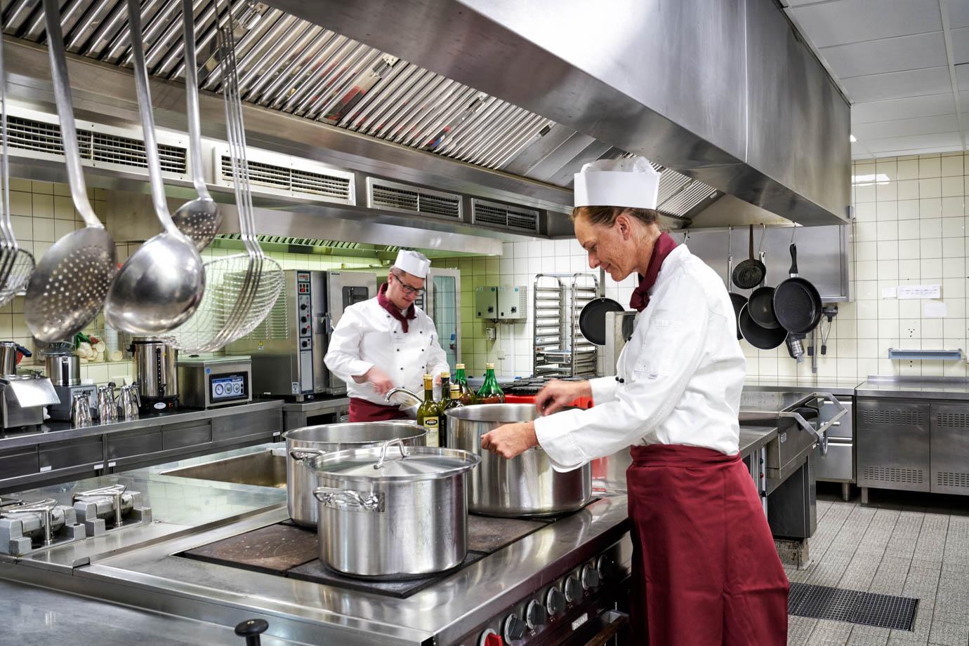 Unser Küchenteam kocht täglich frisch und mit viel Liebe