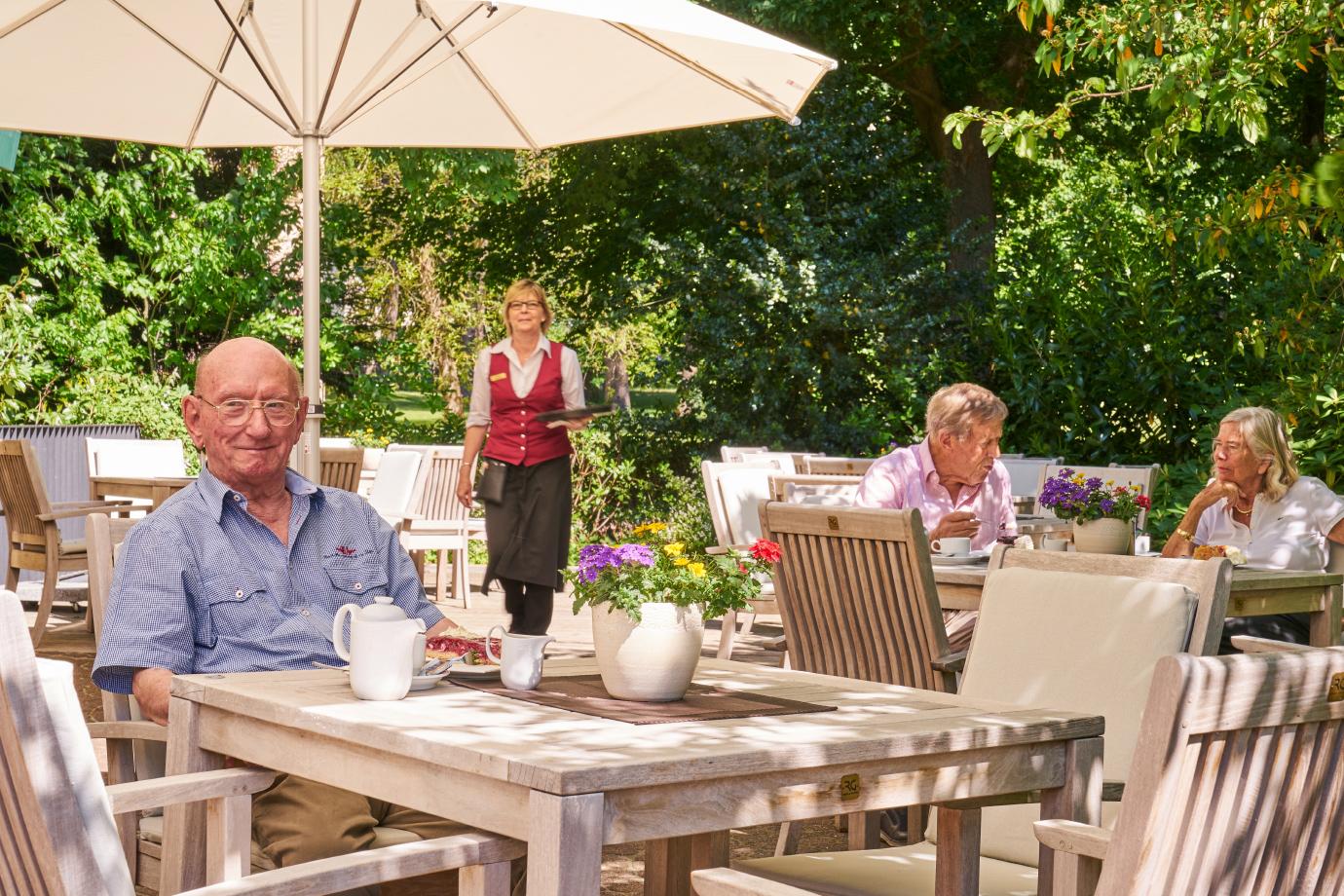 Genießen im Grünen: Café-Terrasse